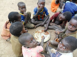 uncountable large number of children ate each day